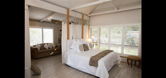 Relax in the Boathouse Retreat