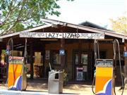 Image of Lazy Lizard Tavern & Caravan Park.